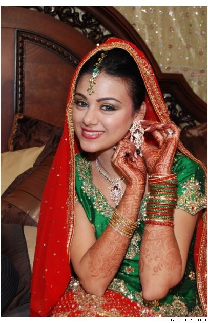 It Contains A Large Collection Of Very Nice Latest Bridal Dresses With Pakistani Girls Dresses Indian Girls Dresses Dresses Bridal Room Jewellary Designs